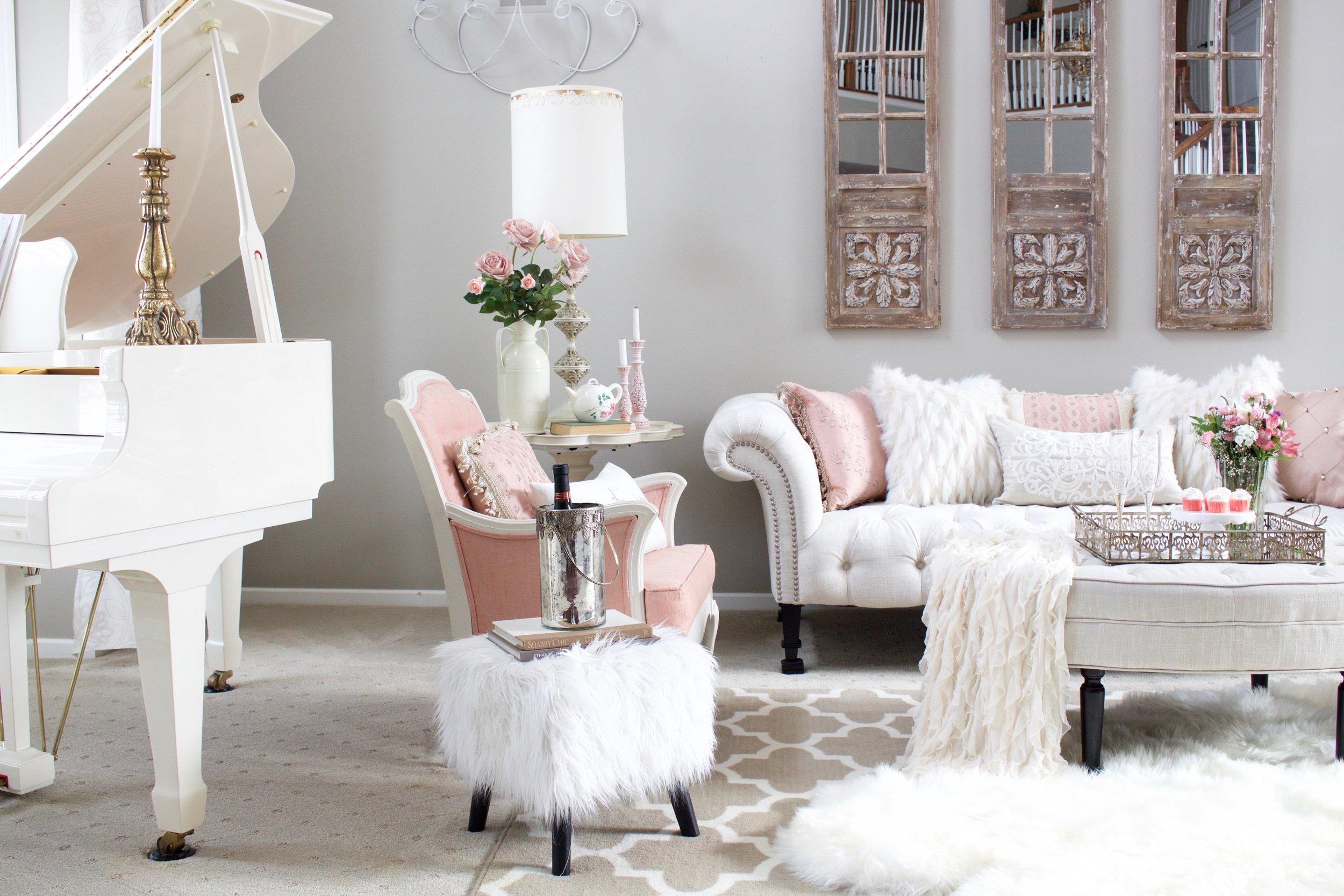 Romantic Blush Pink Living Room: Valentines Day Decor ...