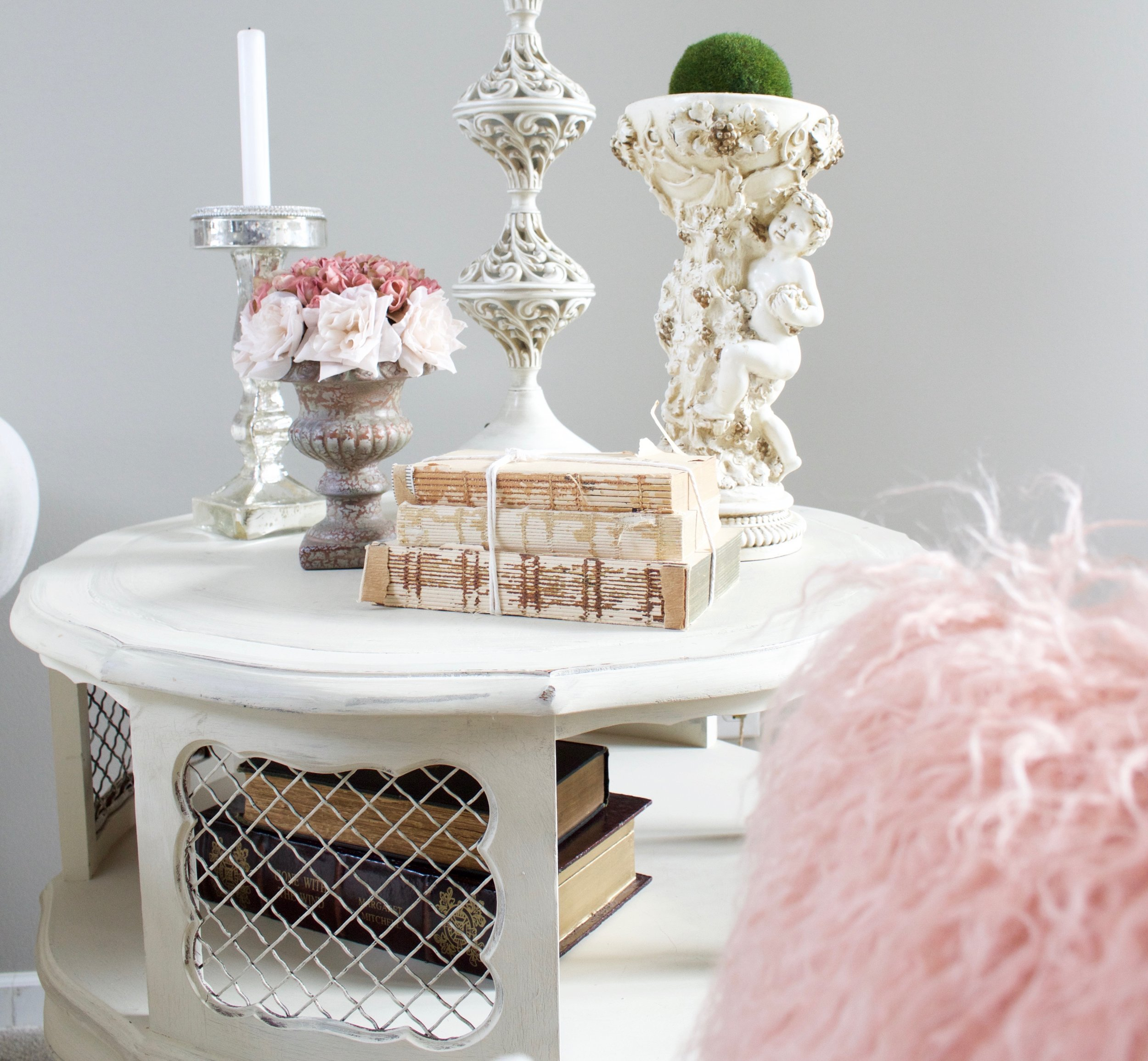 How To Decorate With Blush Pink: Romantic Blush Pink Living Room: Valentines Day Decor