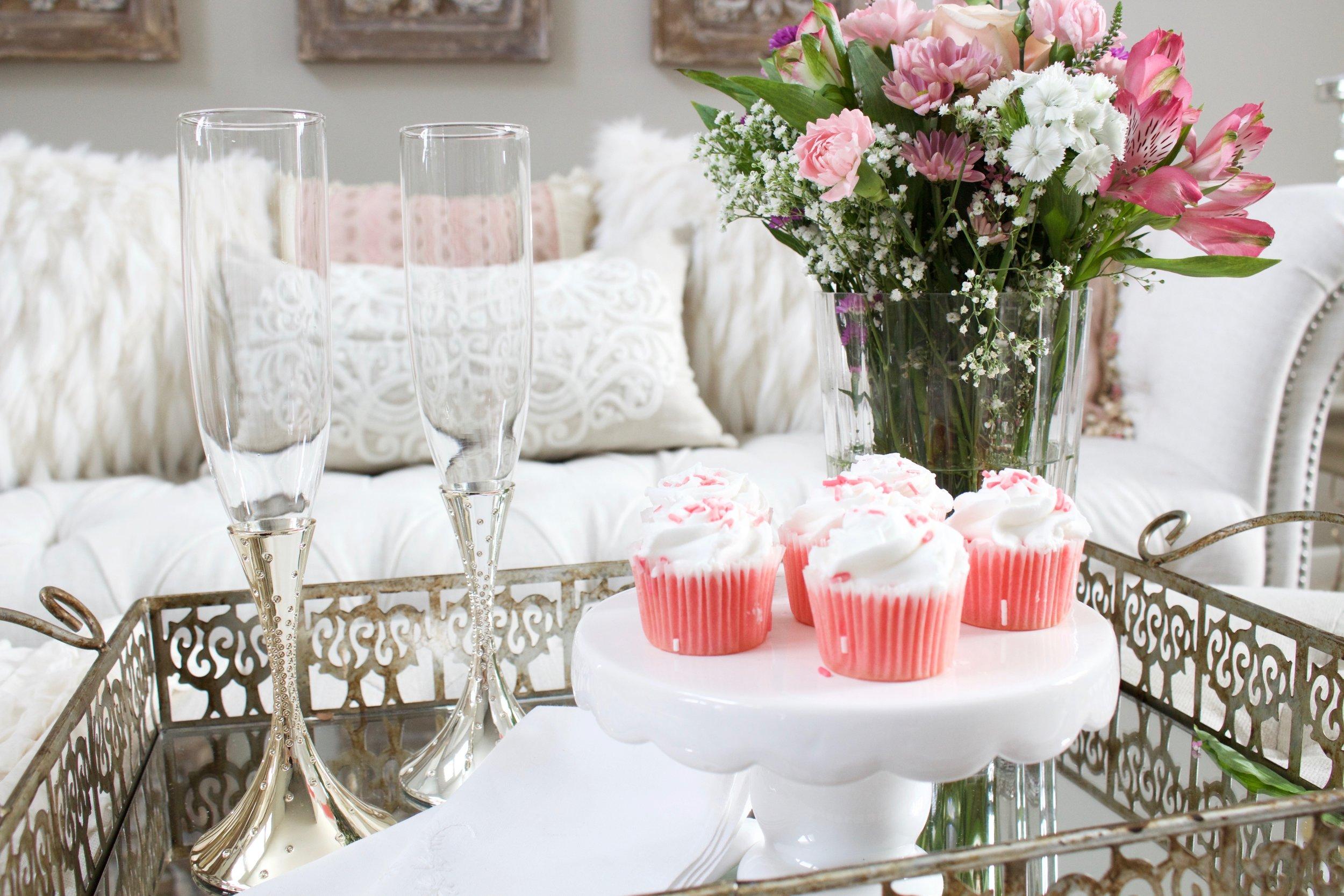 Romantic blush pink living room valentines day decor - Valentine day room decoration ...