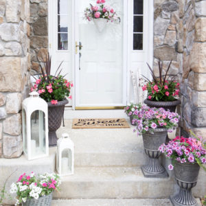 Decorating with Potted Flowers on the Front Porch – A Gardening and Outdoor Entertaining Blog Hop